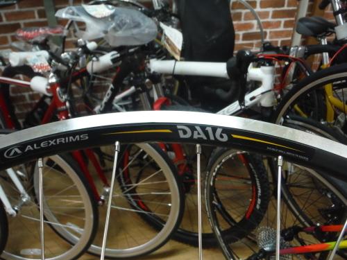 通勤自転車やロングツーリングマシンにお勧めのコレ!_b0332867_22063354.jpg