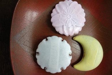 幸福感真っ最中。神戸・常盤堂の『御影雪月花』と『庵月』。_f0177373_20035536.jpg