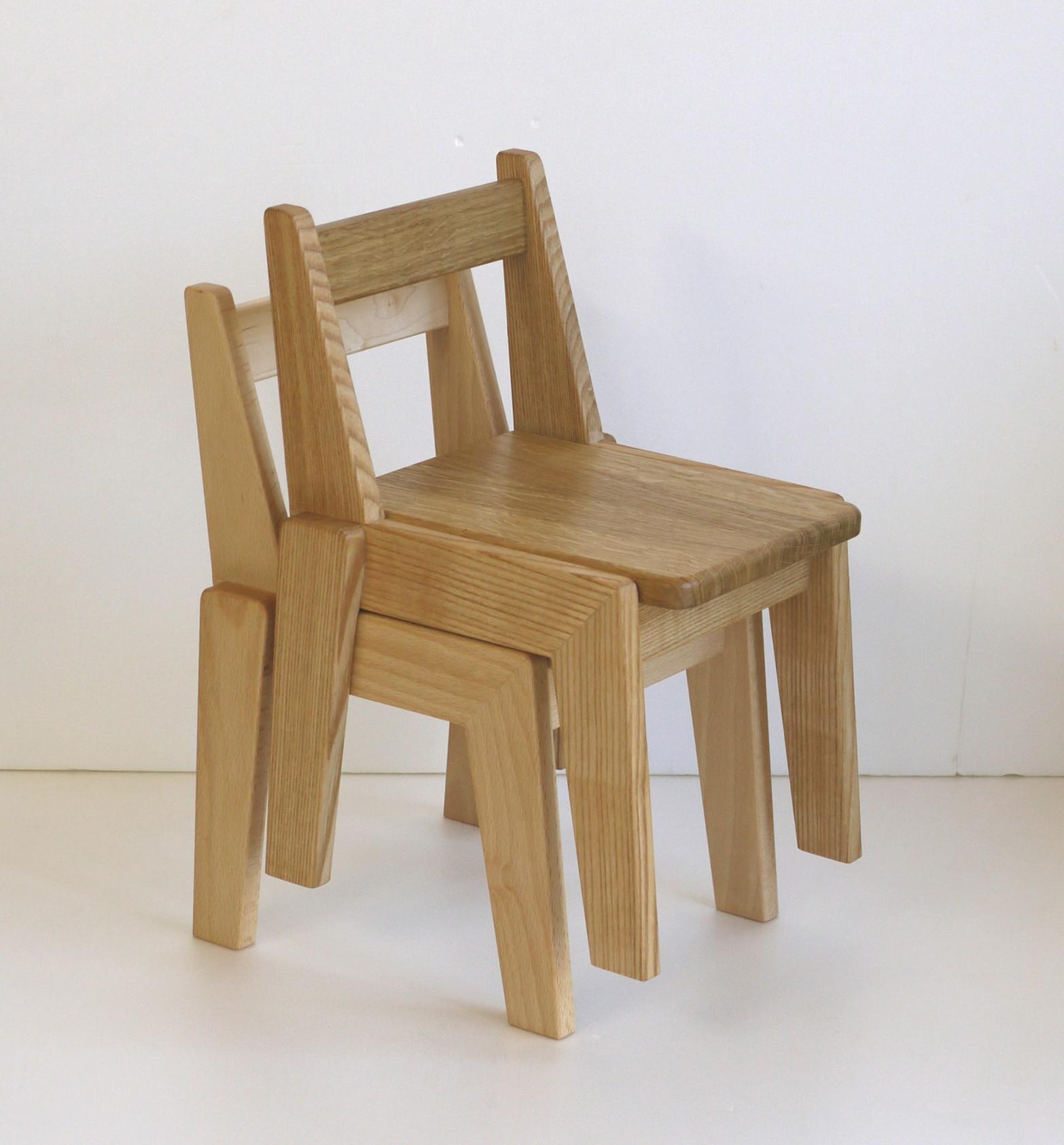 スタッキングできる椅子_c0138410_11493837.jpg