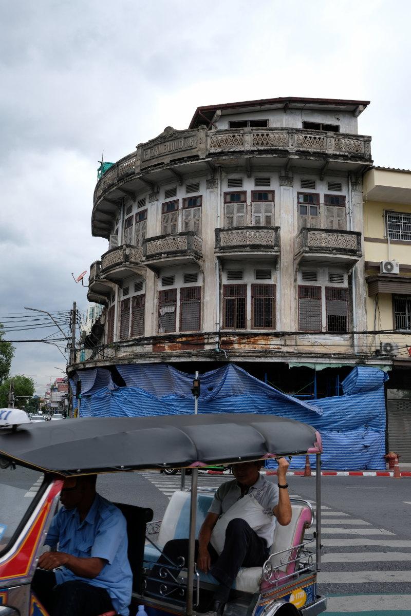 バンコク  FAZAL BUILDING界隈_b0061717_1037486.jpg