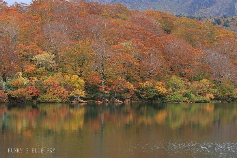 秋の湖畔・Ⅱ_c0145250_09465889.jpg