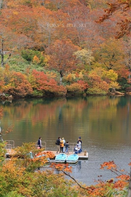 秋の湖畔・Ⅱ_c0145250_09471599.jpg