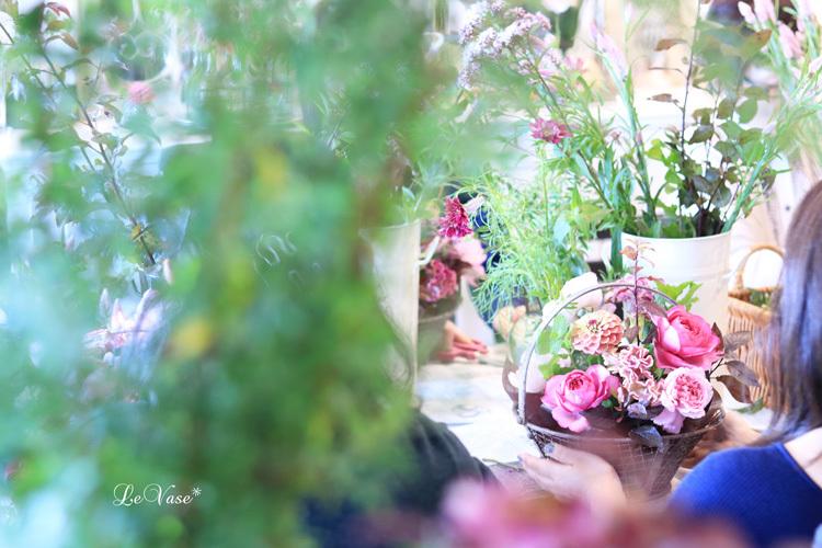 Living flowerクラスのBasket arrangement_e0158653_15482556.jpg