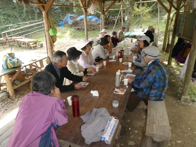 「岬陵クラブ」孝子の森散策_c0108460_18345279.jpg