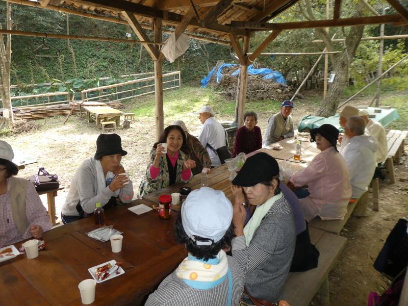 「岬陵クラブ」孝子の森散策_c0108460_18345384.jpg