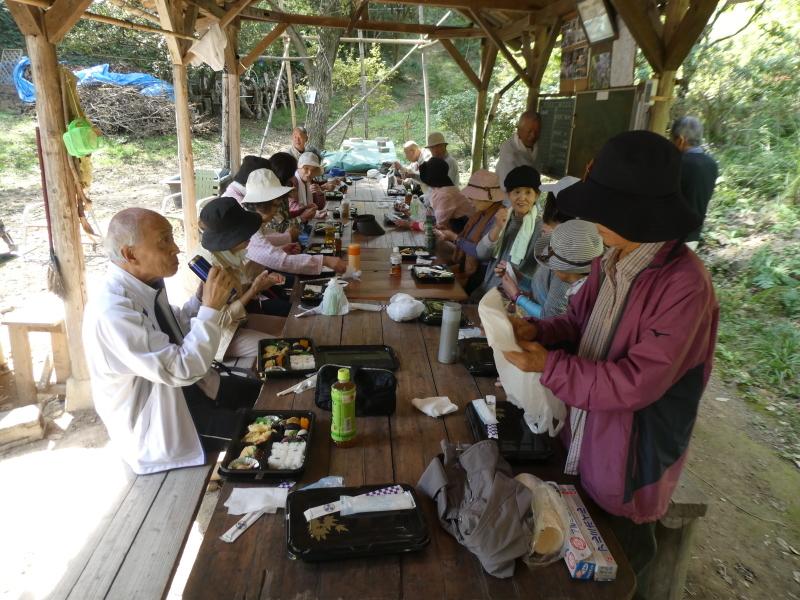 「岬陵クラブ」孝子の森散策_c0108460_18363753.jpg