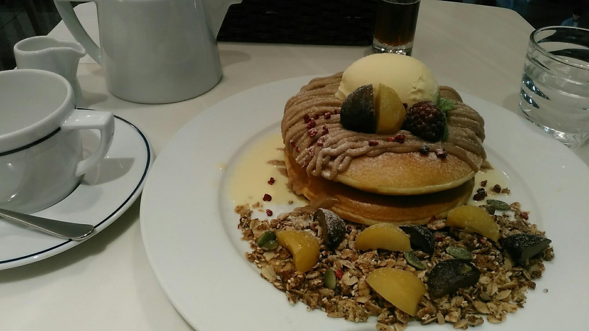 カフェ・ナチュレ 『栗ずくしのモンブランパンケーキ』_a0326295_21150281.jpg