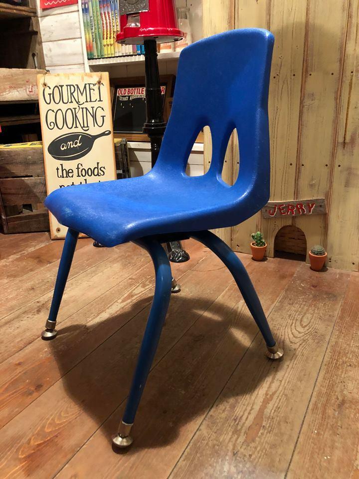 ◆ Vintage School Chair & Deadstock Padlock ◆_c0078202_08205207.jpg