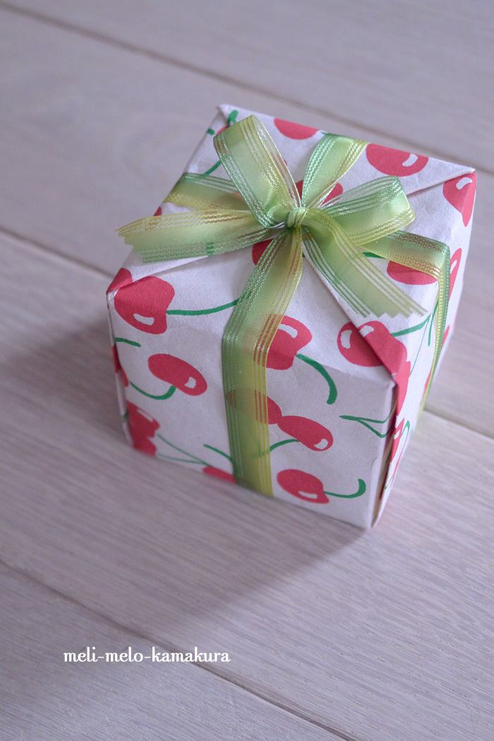 ◆【レッスンレポート】箱をまわさずたおさずに包む方法とは・・・_f0251032_15041639.jpg