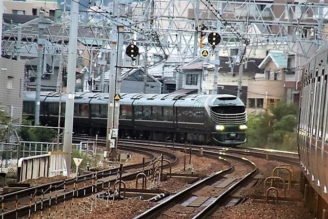 藤田八束の鉄道写真@瑞風の残念な写真をご紹介・・・せっかく瑞風をさくら夙川でまったのに_d0181492_23522319.jpg
