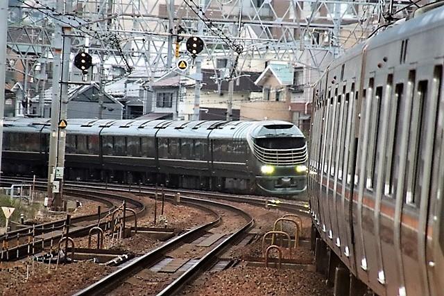 藤田八束の鉄道写真@瑞風の残念な写真をご紹介・・・せっかく瑞風をさくら夙川でまったのに_d0181492_23530882.jpg