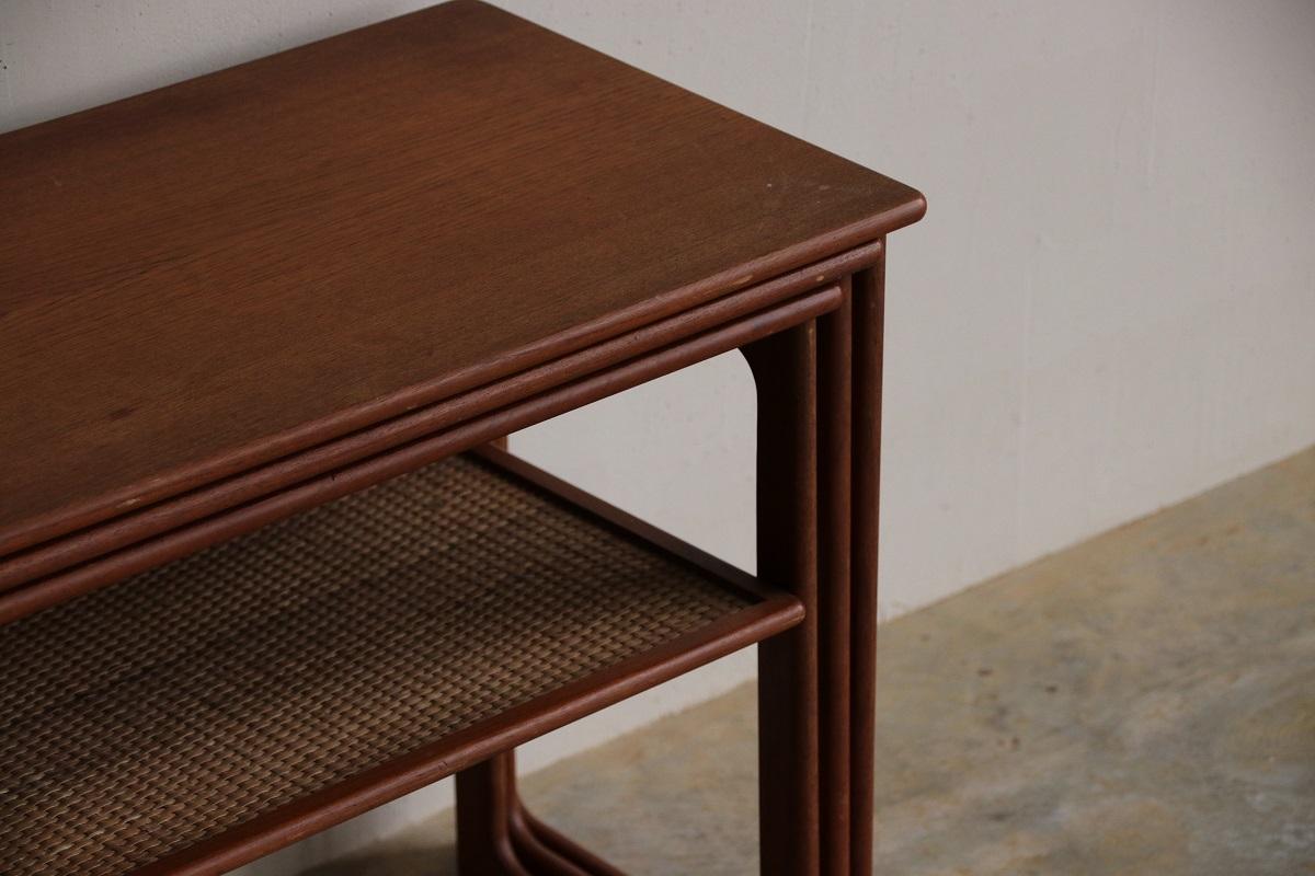 『Johannes Andersen Teak Nest Table』_c0211307_23025435.jpg