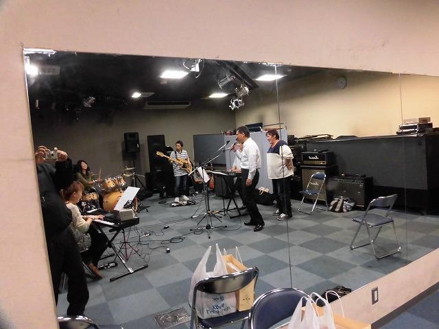 11月3日(土・祝)は、バンド演奏を楽しむ「平成30年 小池としあき後援会総会」_f0141310_07340690.jpg
