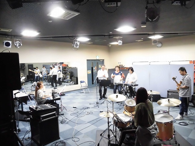 11月3日(土・祝)は、バンド演奏を楽しむ「平成30年 小池としあき後援会総会」_f0141310_07342341.jpg
