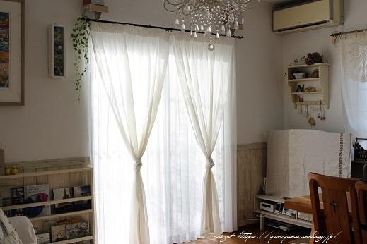 【オーダーカーテン】お洒落な刺繍入りレースカーテンでリビングの模様替え♪_f0023333_19495117.jpg