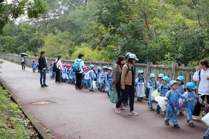 りんご・年少組 城山公園へ行きました_b0277979_15404541.jpg