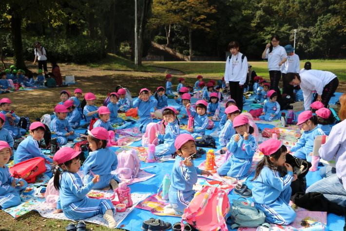 りんご・年少組 城山公園へ行きました_b0277979_15413948.jpg