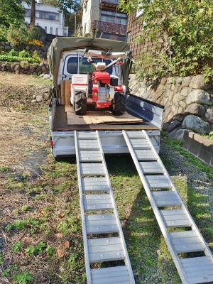 駐車場は今年最後の草刈り作業をしました_c0336902_21294470.jpg
