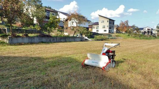 駐車場は今年最後の草刈り作業をしました_c0336902_21295512.jpg