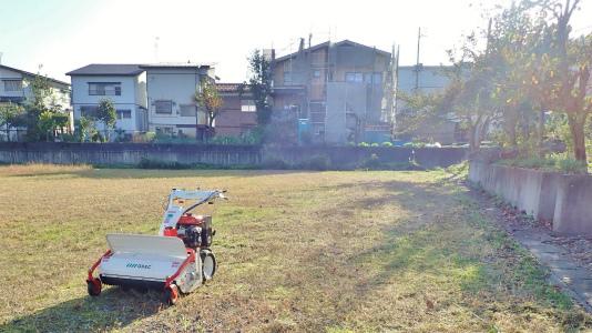 駐車場は今年最後の草刈り作業をしました_c0336902_21300298.jpg