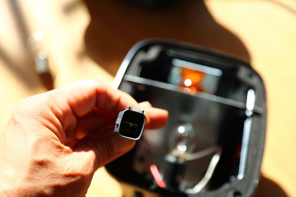 車検準備からサンバイザー修理など_f0105425_17243306.jpg