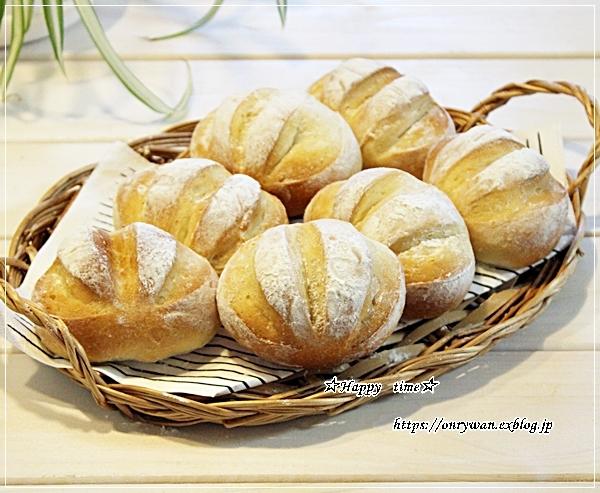 カニ釜飯おにぎり弁当とパン焼き・ミニミルクブレッド♪_f0348032_18015337.jpg