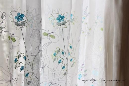 【オーダーカーテン】お洒落な刺繍入りレースカーテンでリビングの模様替え♪_f0023333_22254431.jpg