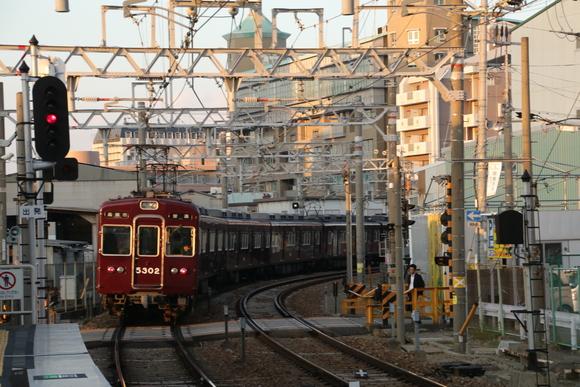 阪急5302F 夕陽に当たる_d0202264_1032742.jpg