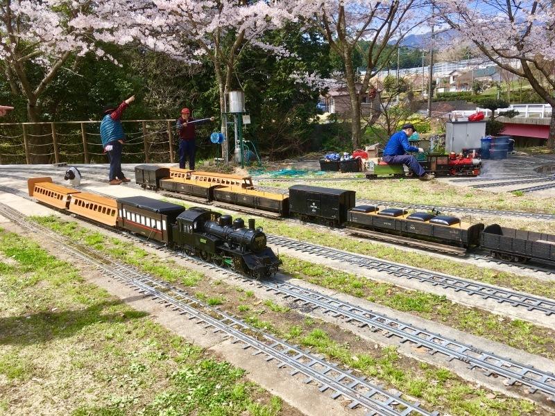 裾野市にある鉄道模型王国『日本庭園鉄道』!_d0367998_15504788.jpg