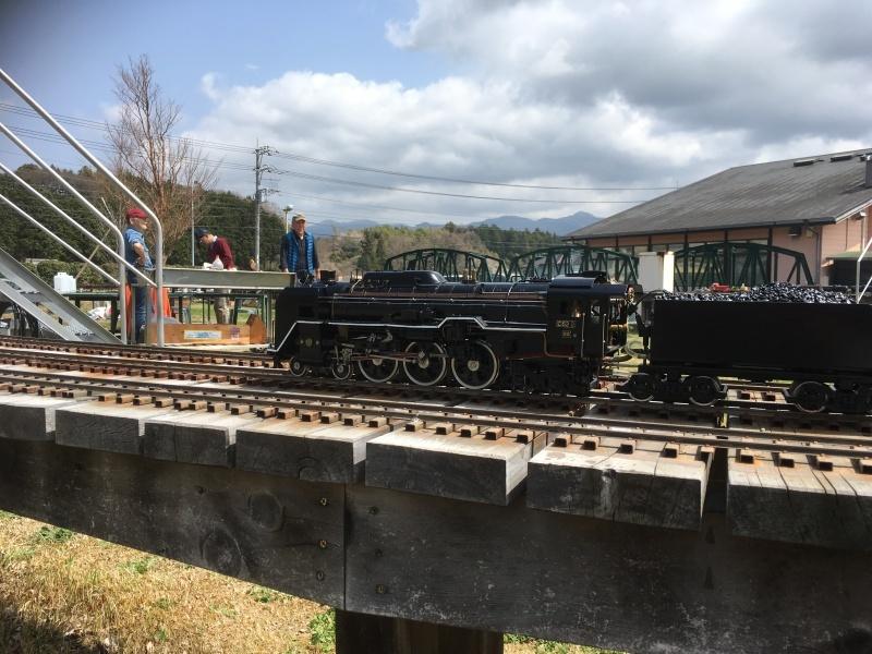 裾野市にある鉄道模型王国『日本庭園鉄道』!_d0367998_15595546.jpg