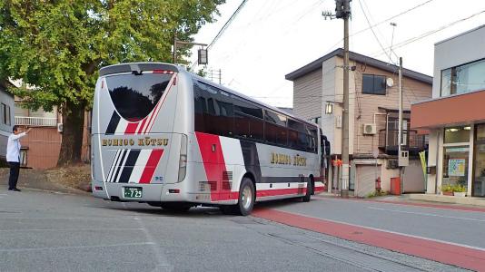 連日大型バスが来ています_c0336902_15452197.jpg