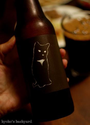 手作りコーントルティーヤでチキンタコス。黒猫ラベルのビール_b0253205_08032060.jpg