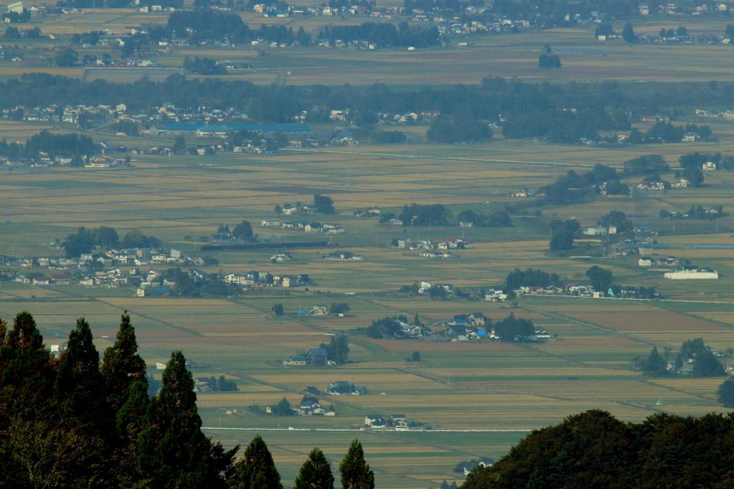 集落から集落へと汽車が走る - 奥羽本線・2018年秋 -_b0190710_22302291.jpg