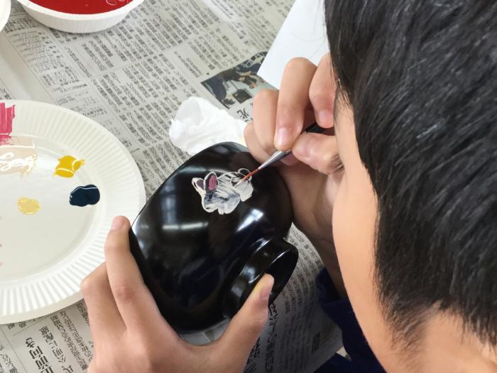 謹教小学校での絵付け体験_e0130334_22163322.jpg