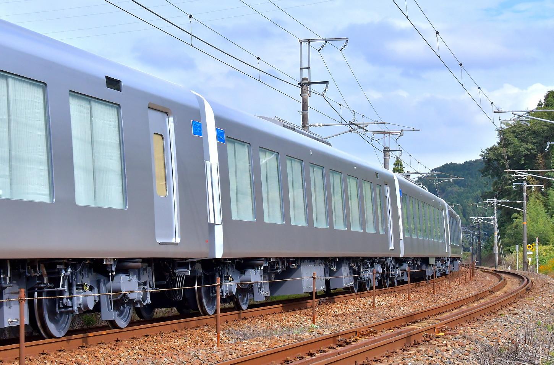 西武新型特急車第一編成_a0251146_18355015.jpg