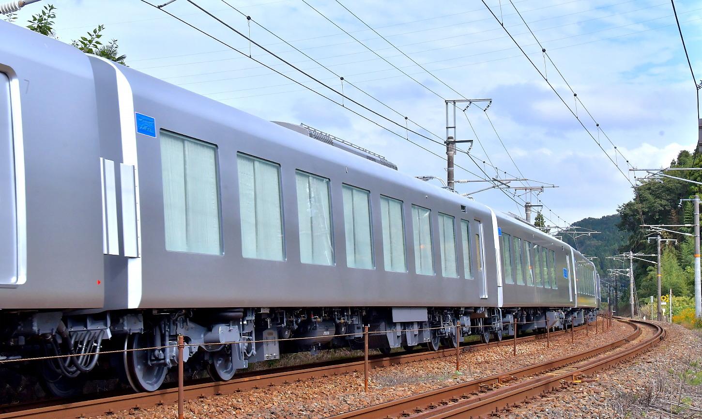 西武新型特急車第一編成_a0251146_18361193.jpg