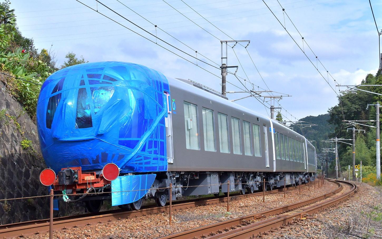 西武新型特急車第一編成_a0251146_18362503.jpg