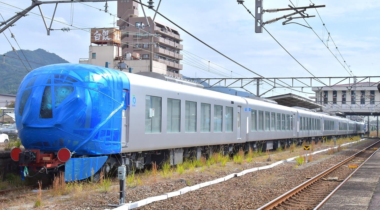西武新型特急車第一編成_a0251146_18382268.jpg
