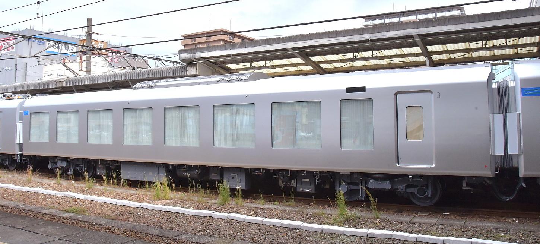 西武新型特急車第一編成_a0251146_18392773.jpg