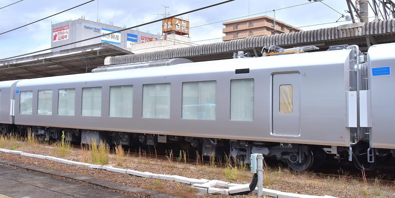西武新型特急車第一編成_a0251146_18393998.jpg