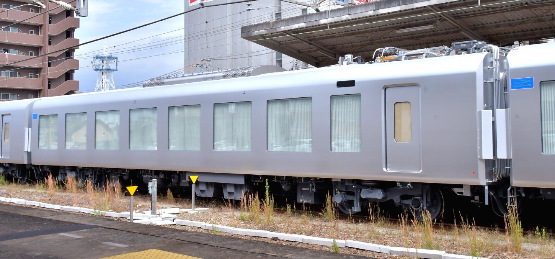 西武新型特急車第一編成_a0251146_18400371.jpg