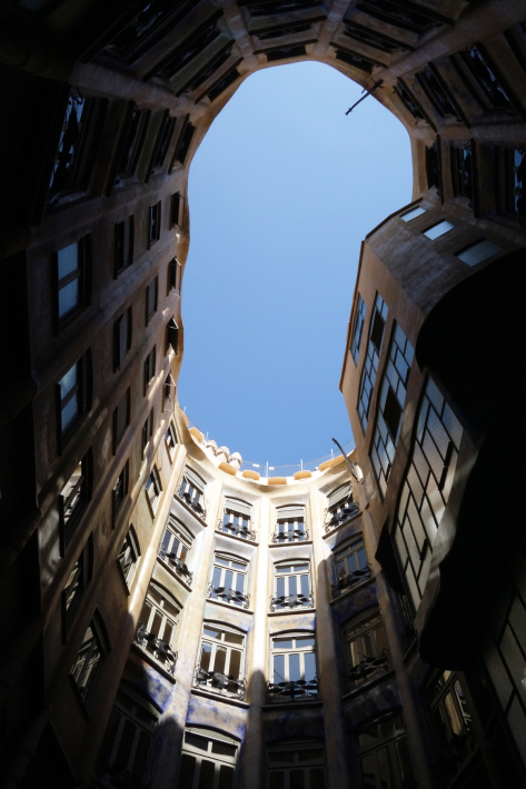 カサ・ミラ Casa Mila, La Pedrera アントニ・ガウディ Antoni Gaudi 2018年9月 バルセロナの旅(3)_f0117059_21285454.jpg