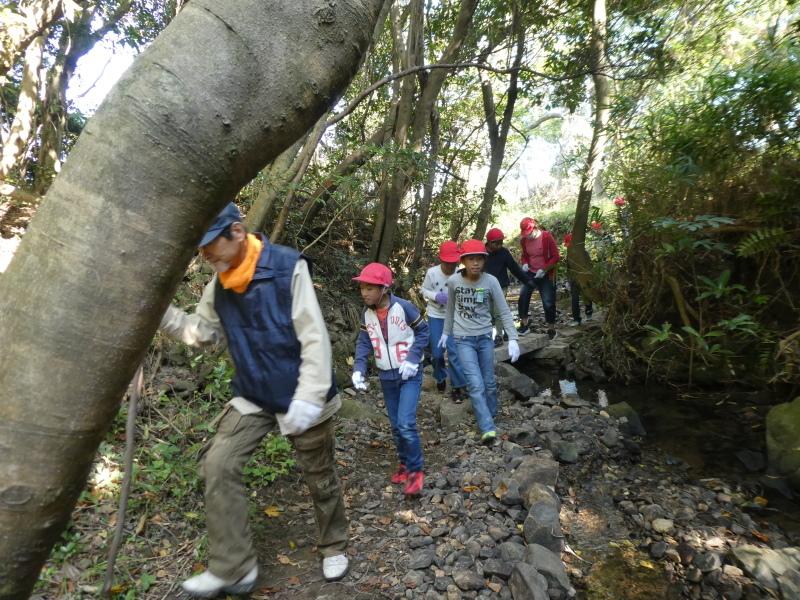 東光小学校4年生遠足「里山体験」サポート_c0108460_16190559.jpg