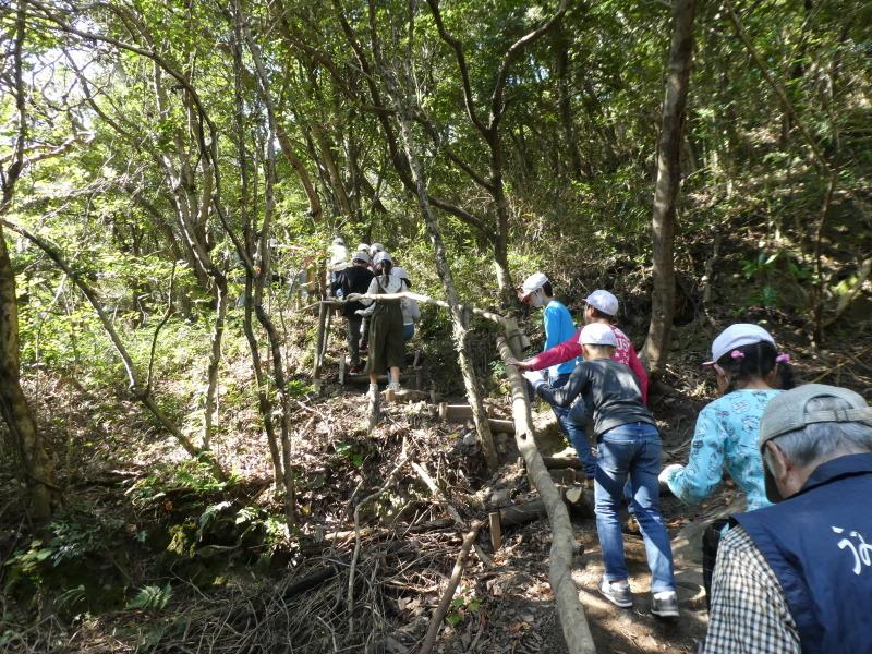 東光小学校4年生遠足「里山体験」サポート_c0108460_16273390.jpg