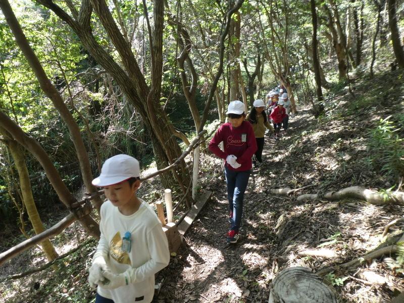 東光小学校4年生遠足「里山体験」サポート_c0108460_16301910.jpg