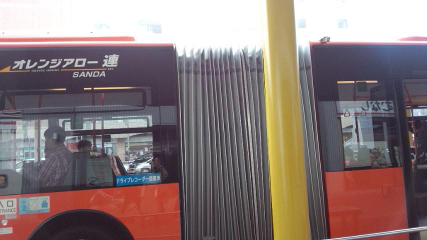 連接バス_b0018469_1210228.jpg
