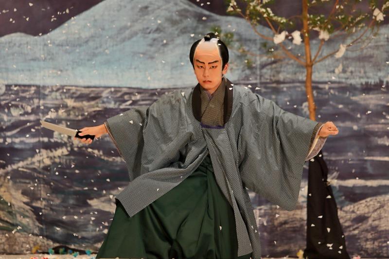 村国座奉納子供歌舞伎 「南部坂雪の別れ」前篇_c0196076_20354442.jpg