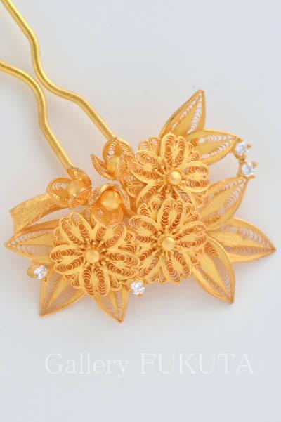 本日が「銀線細工と日本刺繍」展最終日です。_c0161127_13252237.jpg
