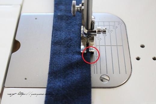 【100均】お勧め手芸用品と細いループを綺麗に縫い仕上げるコツ♪_f0023333_20352881.jpg