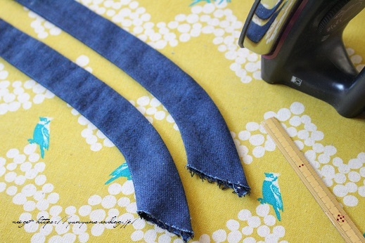 【100均】お勧め手芸用品と細いループを綺麗に縫い仕上げるコツ♪_f0023333_20353187.jpg